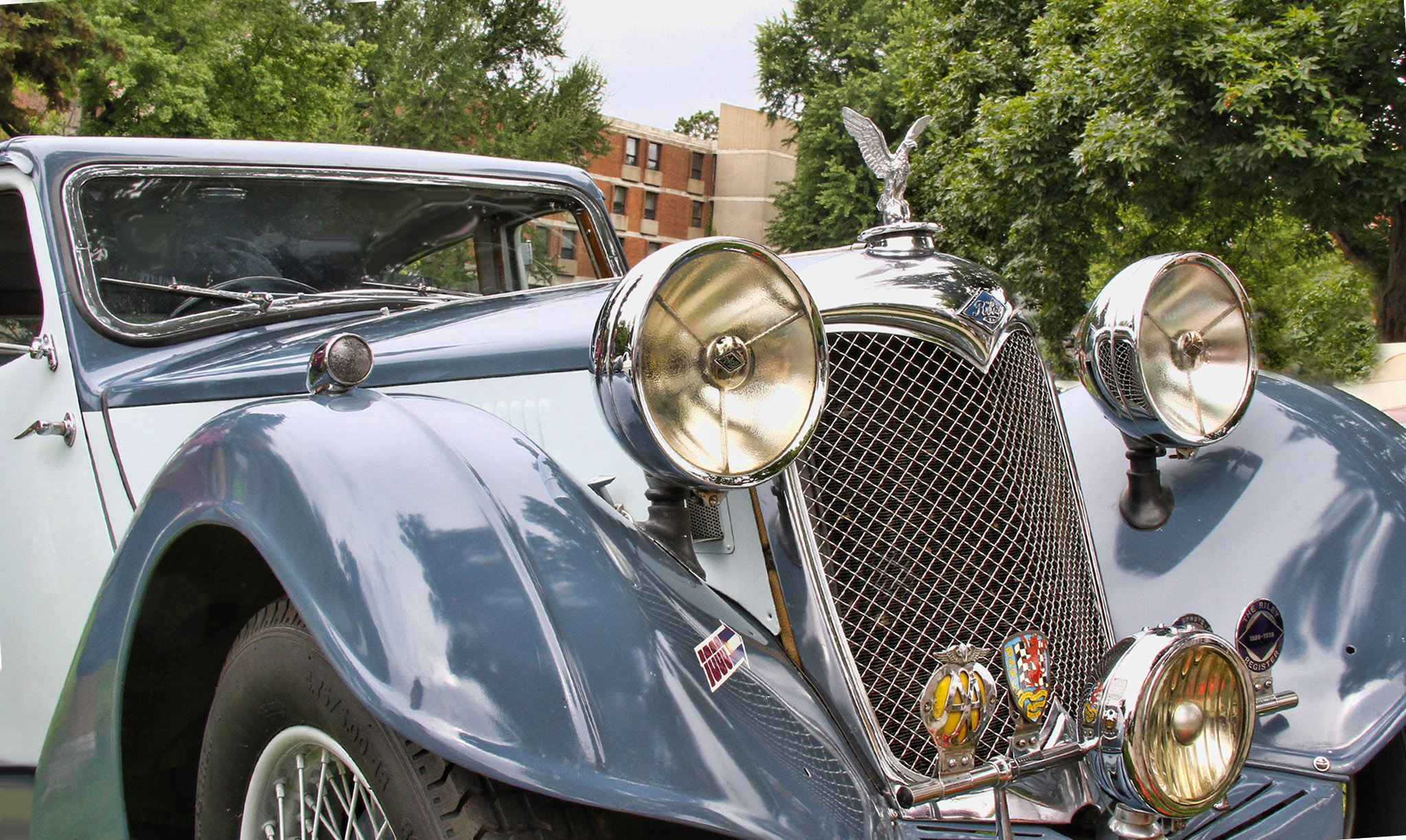 1929_RILEY_KESTREL_22t_4-litre_Saloon_copy