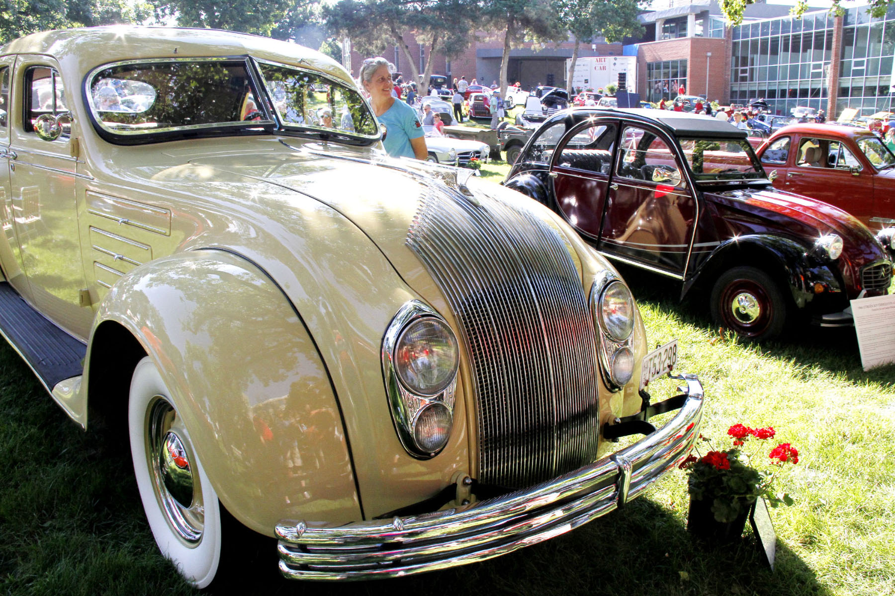 CHRYSLER-AIRFLOW-WELL-ENGINEERED-BUT-AHEAD-OF-ITS-TIME