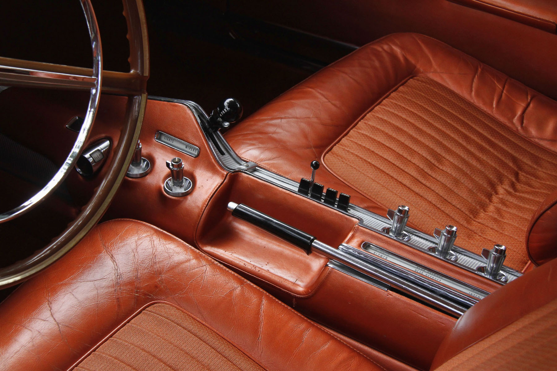 CHRYSLER-TURBINE-INTERIOR-WITH-SPECIAL-CONTROLS