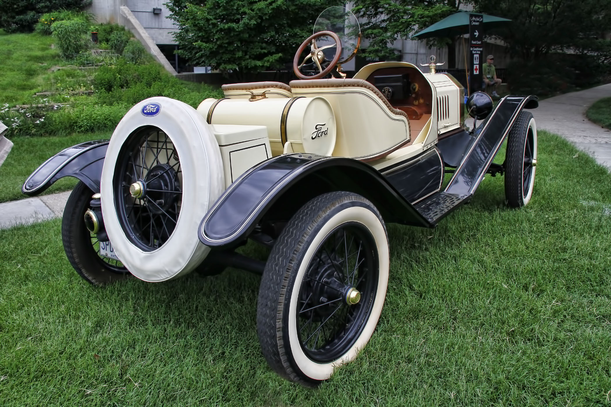 c44-1915__FORD_MODEL_T_ROADSTER