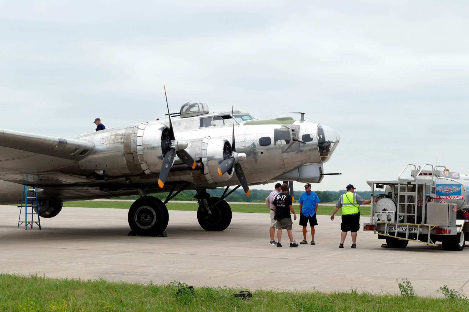 B-17 MADRAS REFUELING AT JABARA DURING EAA TOUR