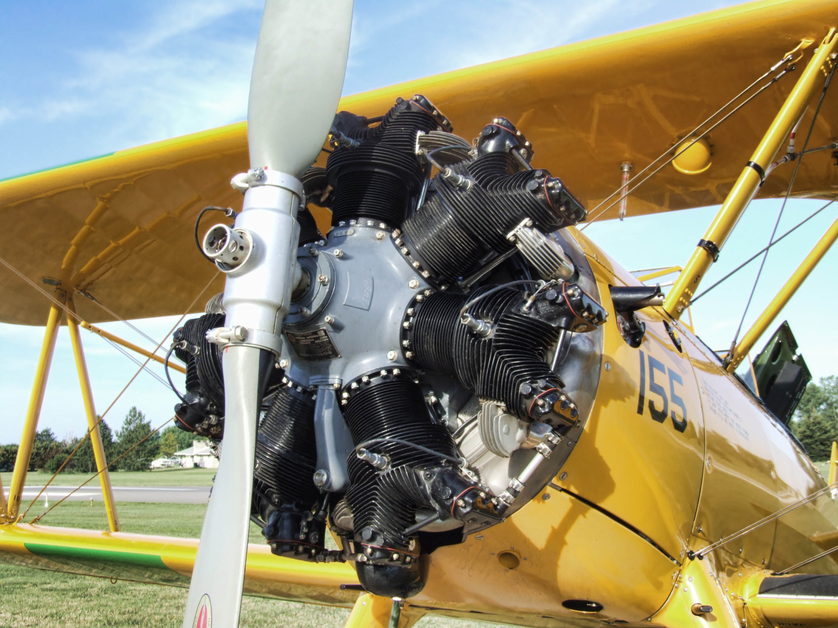 BENTON_AIRPORT_STEARMAN_T_FLY_IN_JUNE_2008_011