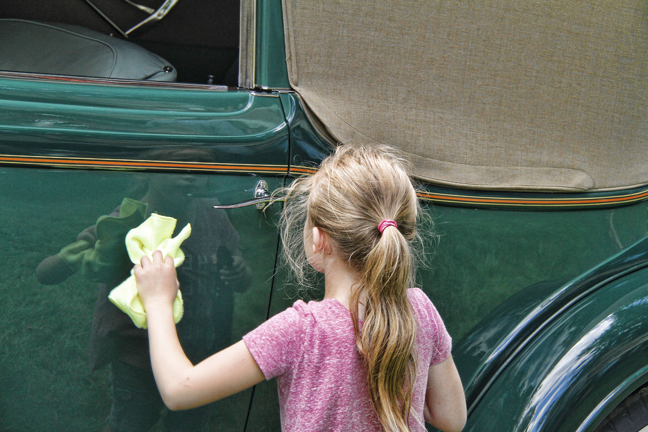 LAST_MINUTE_TOUCH_UP_OF_PARENTS_COLLECTOR_CAR